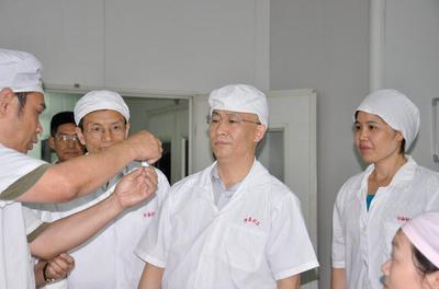 中共中央委员、重庆市委副书记、市政府市长张国清视察华森